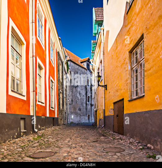 Alleyway on Toompea Hill in Tallinn, Estonia. - Stock Image
