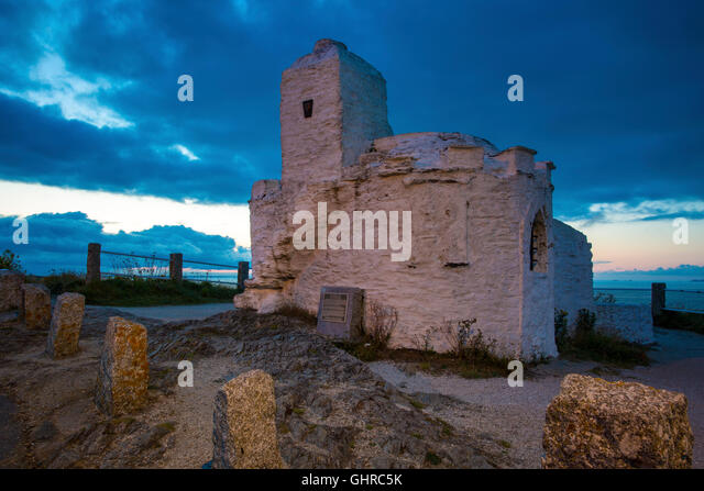 Huer's Hut from the 14th Century overlooking the bay in Newquay, Cornwall England - Stock Image