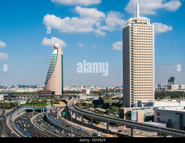 view-along-sheikh-zayed-road-and-the-ghw