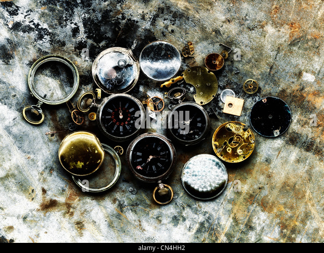 Broken pocket watches - Stock Image