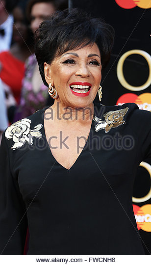 London,Great Britain. April 3rd, 2016. UK, London: Shirley Bassey hits the red carpet for the Olivier Awards at - Stock Image