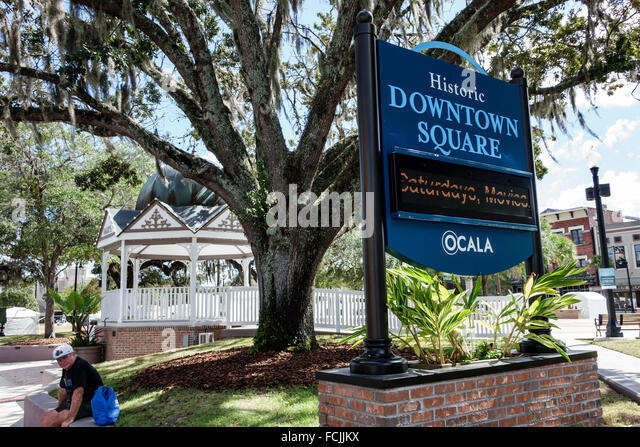 Ocala Florida Downtown Square sign gazebo park - Stock Image