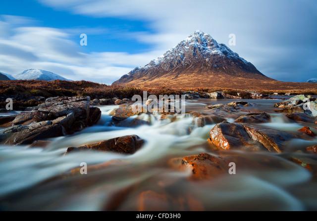 Buachaille Etive Mor and the River Coupall at Glen Etive, Glen Coe end of Rannoch Moor, Highlands, Scotland, Highlands, - Stock-Bilder