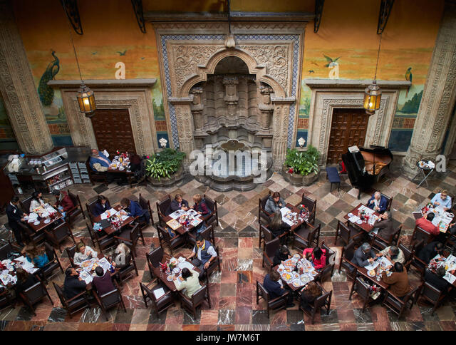 Sanborns mexico stock photos sanborns mexico stock for Casa de los azulejos mexico df