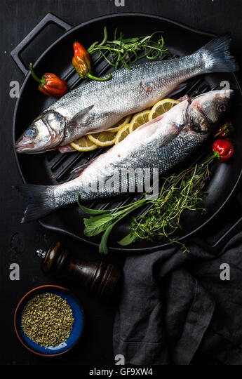 Iron raw stock photos iron raw stock images alamy for Iron fish for cooking