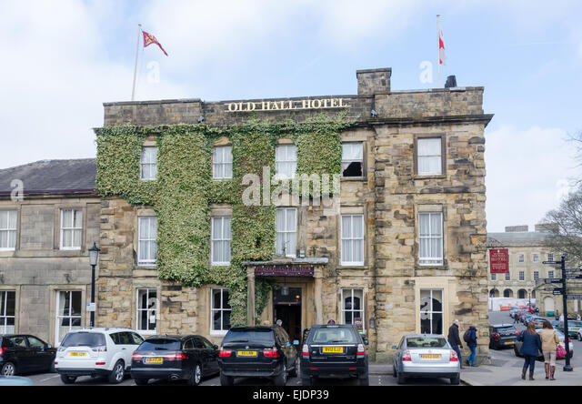 Old Hall Hotel in the Derbyshire spa town of Buxton, reputed to be the oldest hotel in England - Stock-Bilder