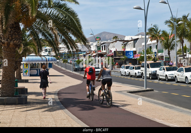 Cycling holiday spain stock photos cycling holiday spain stock images alamy - Lanzarote walks from puerto del carmen ...