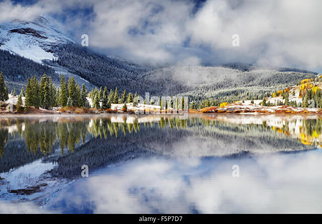 Mountain lake after the snow storm. Molas Lake, San Juan Mountains, Colorado, USA - Stock Image