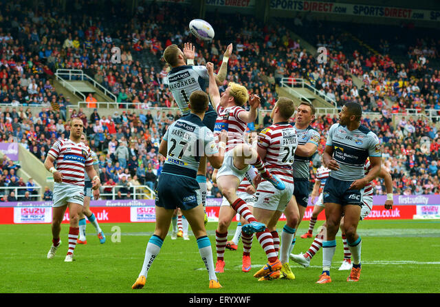 Here we have the Leeds Rhinos and  Warrington Wolves at the Magic Weekend at St James Park Newcastle 2015 - Stock Image