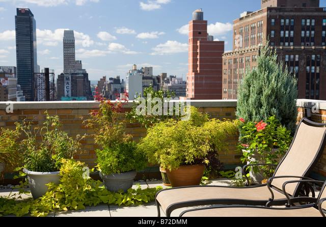Urban Rooftop Garden, NYC - Stock-Bilder
