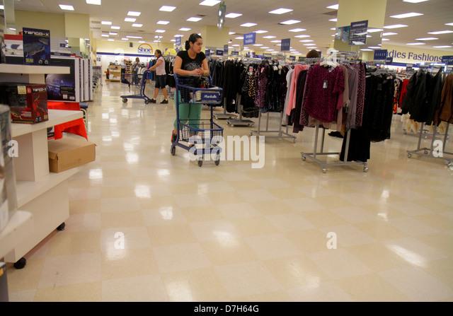 Clothing store marshalls