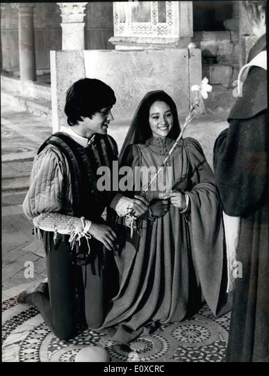Olivia Hussey Stock Photos & Olivia Hussey Stock Images ...