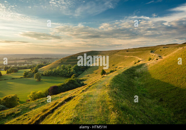 The ramparts of the Iron Age hill fort of Hambledon Hill, nr Blandford Forum, Dorset, England, UK - Stock-Bilder