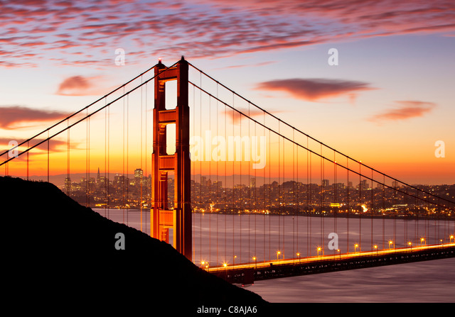 Just before dawn above the Golden Gate Bridge with San Francisco beyond, California USA - Stock-Bilder