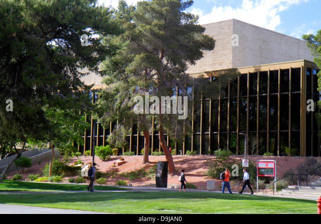 Nevada Las Vegas UNLV University of Nevada campus school students - Stock Image