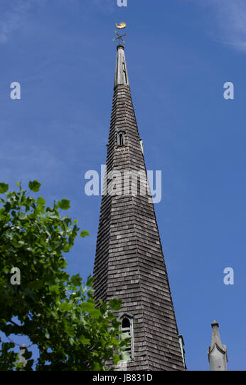 The Old Church in Stoke Newington, Old Saint Mary's Church, the only surviving Elizabethan church in London - Stock Image