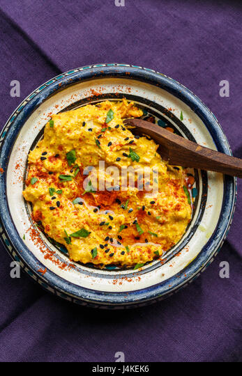 curry hummus - Stock Image
