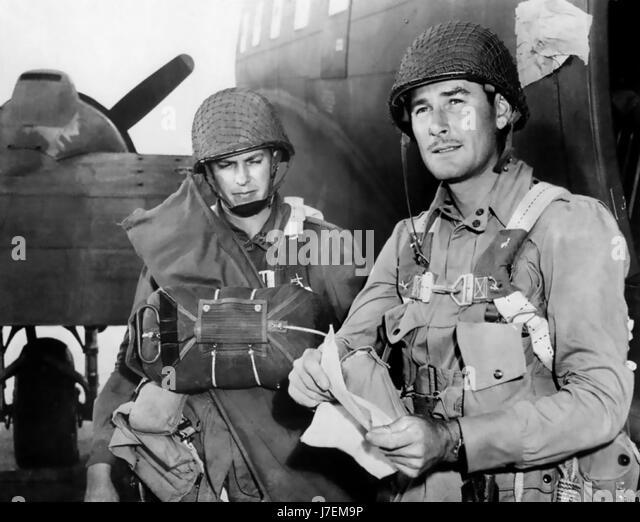 OBJECTIVE, BURMA ! 1945 Warner Bros film with Errol Flynn at right as Captain Nelson - Stock-Bilder