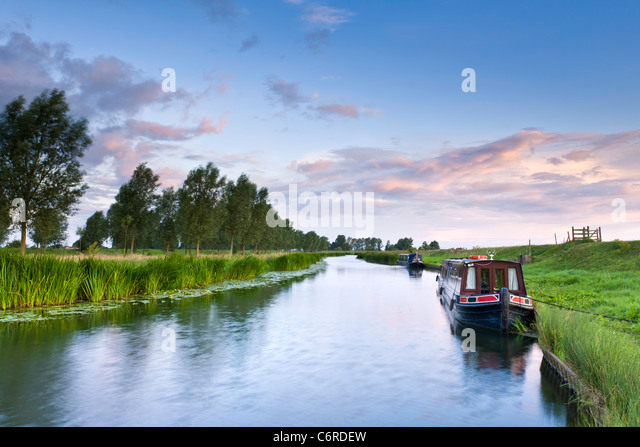 Narrowboat on the Great Ouse - Stock-Bilder