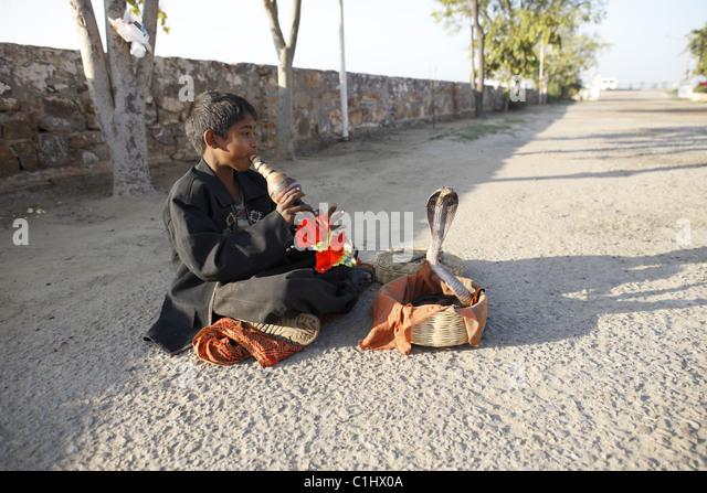 IND, Indien,20110310, Kleiner Junge als Schlangenbeschwoerer © Gerhard Leber - Stock-Bilder