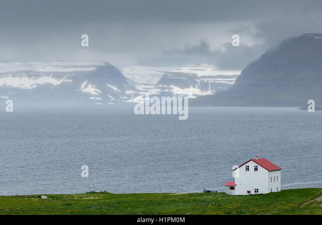 Iceland house stock photos iceland house stock images for Iceland lonely house