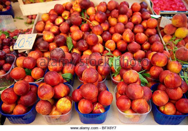 Nectarines Palermo food market, Sicily - Stock Image