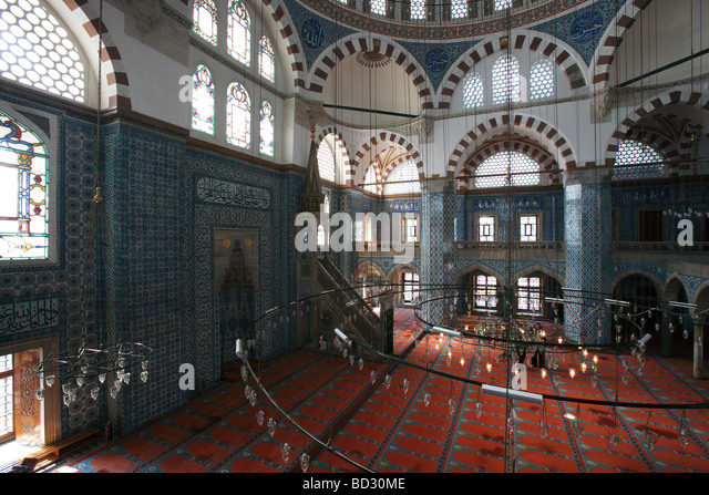 The Ornate interior of the Rustem Pasha Camil Ottoman Mosque Istanbul Turkey Famous for its large quantity of  Iznik - Stock Image