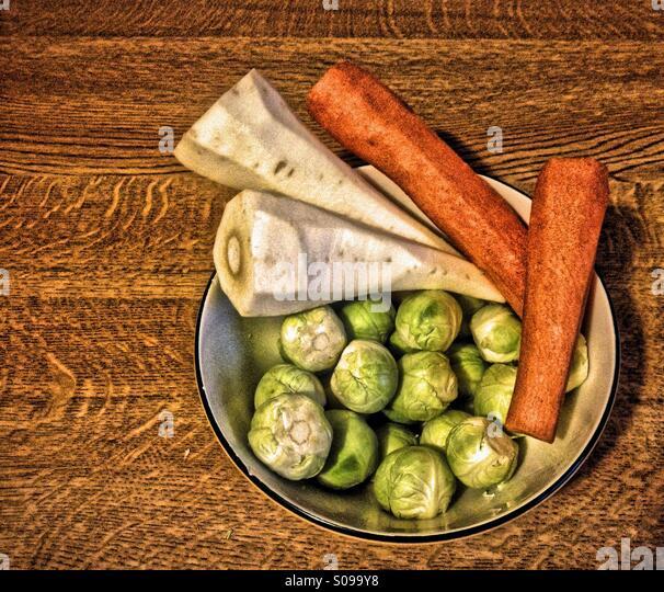 Bowl of prepared vegetables - Stock Image