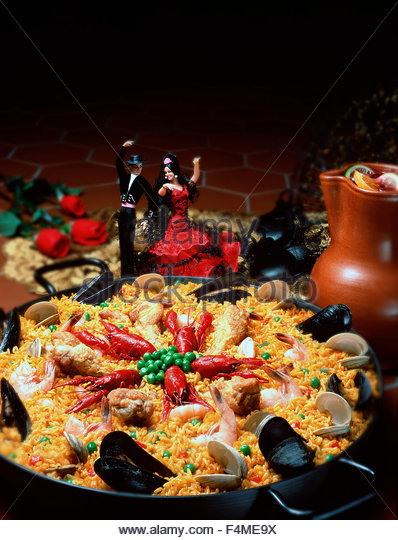 Festive Spanish Valencia original paella with sangria - Stock Image