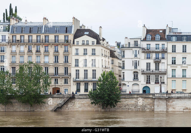 Flood in Paris, Ile de St.Louis, quai d'Orleans, 2016 - Stock Image