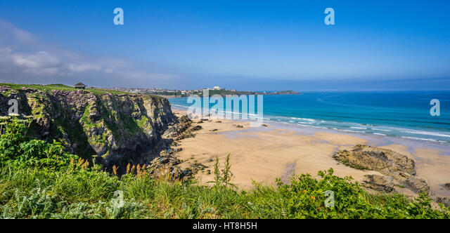 United Kingdom, Cornwall, Newquay, beach below the cliffs at the Barrowfields - Stock Image