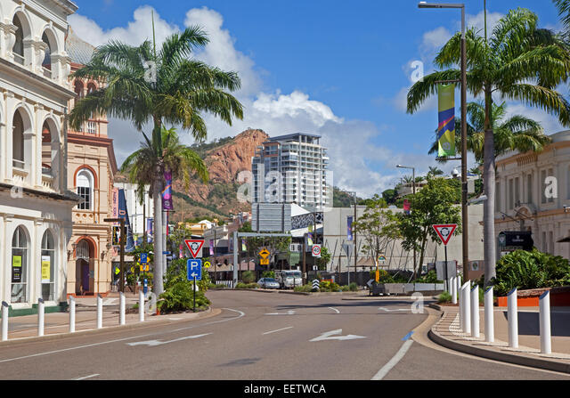 Townsville central business district and Castle Hill in the background, north-eastern coast of Queensland, Australia - Stock Image
