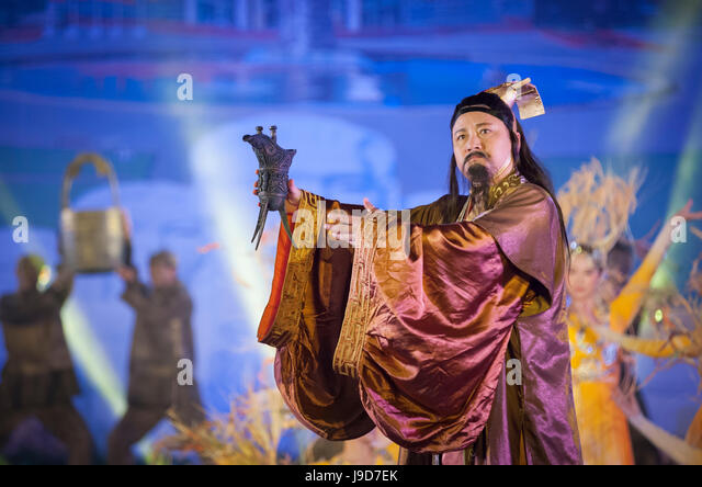 History performance at Wuliangye alcoholic beverage company, Yibin, Sichuan Province, China, Asia - Stock-Bilder