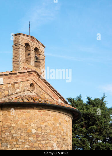 Europe, Italy, Tuscany.  The bell tower of the cappella di vitaleta near Val d'Orcia. - Stock-Bilder