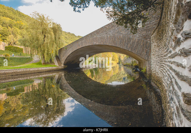 river-and-the-reflection-on-the-water-k7