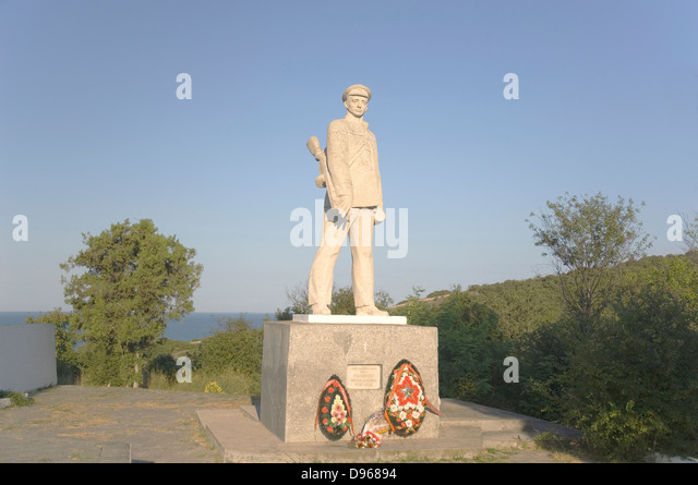 Monument to capt. Kalinin D. near Sukko city. Seamen-scouts heroes of WWII - Stock Image