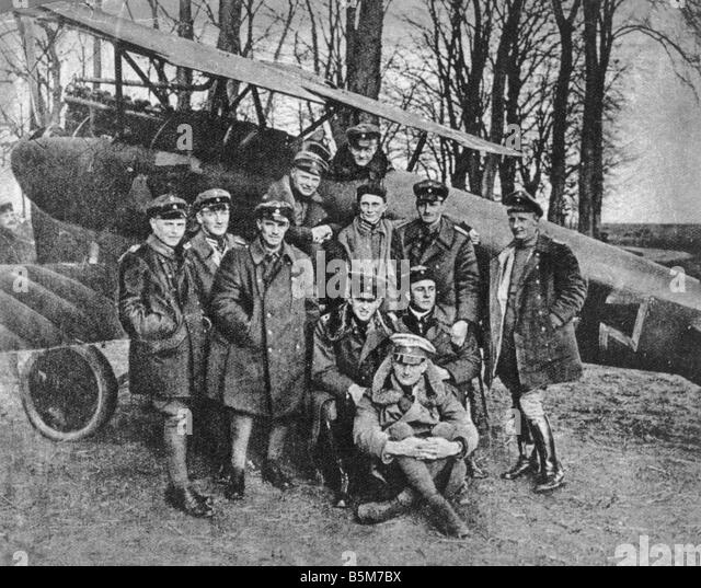 1 R40 F1917 1 von Richthofen Red Baron and Comrades Richthofen Manfred Baron von Officer most successful bomber - Stock Image