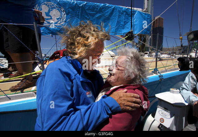 New York, USA. 10th June, 2016. UNICEF Round the World crew member, Kate Whyatt, a 60 year old counsellor and play - Stock Image
