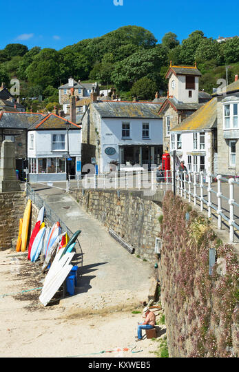the coastal village of mousehole in cornwall, england, britain, uk. - Stock Image