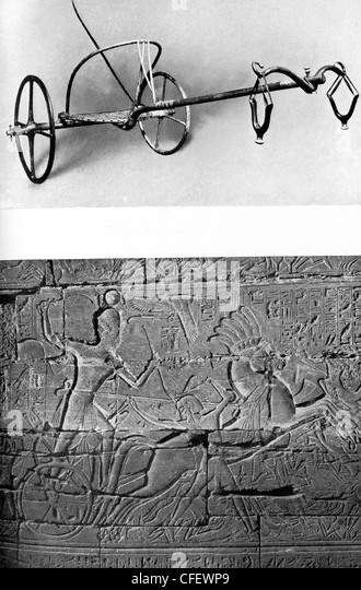 Top: ancient Egyptian chariot. Bottom:  Seti I in his chariot heading to battle. - Stock Image