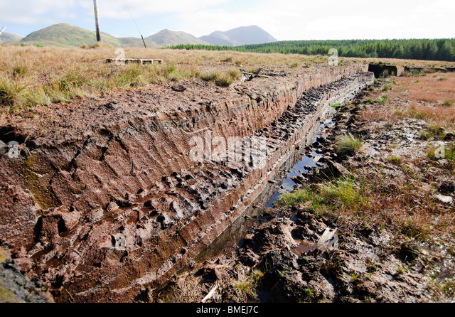 Peat exploitation, N59, County Galway, Province of Connacht, Ireland - Stock-Bilder