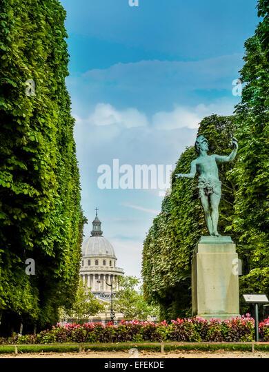 Alley paris stock photos alley paris stock images alamy for Bd du jardin botanique 50