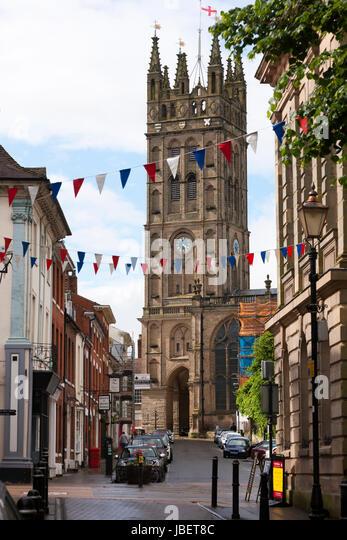 Famous view up Church Street towards Saint Mary's Church in Warwick, Warwickshire, UK. (88) - Stock Image