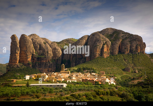 View of hillside village of Aguero near Pyrenees in Aragon region of Spain - Stock Image