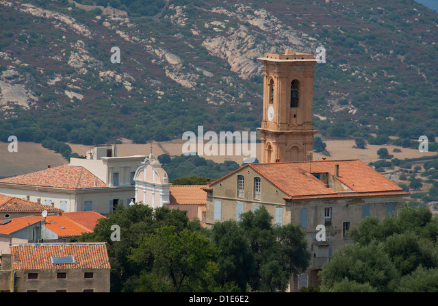 An elevated view of the picturesque village of Aregno in the inland Haute Balagne region, Corsica, France, Europe - Stock-Bilder