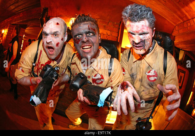 London, UK. 1st November 2014. People dressed up as Zombies at the 8th annual London Zombie Walk 2014 celebrating - Stock Image