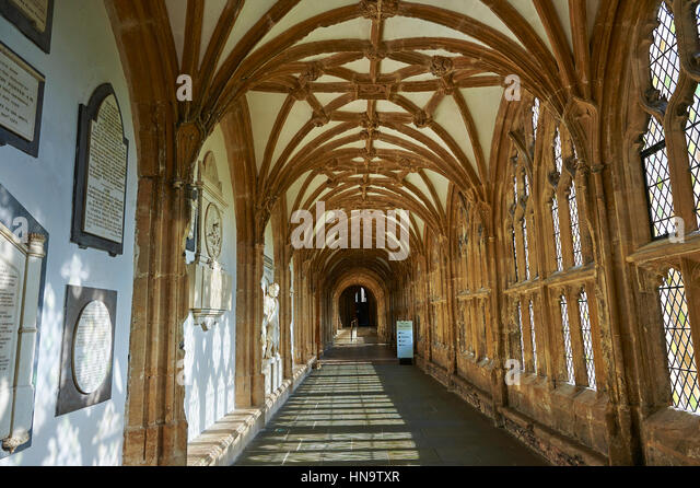 Corridor of the the medieval Wells Cathedral built in the Early English Gothic style in 1175, Wells Somerset, England - Stock-Bilder