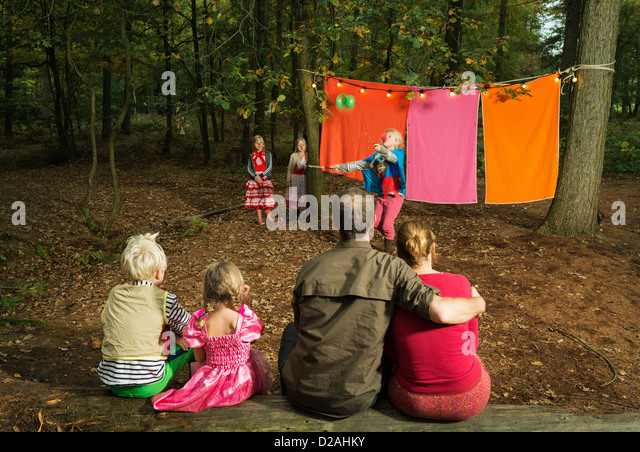 Childrens theater improvised in woods - Stock Image