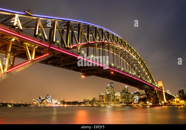 Australia, Sydney, Sydney Harbor Bridge at night - Stock-Bilder
