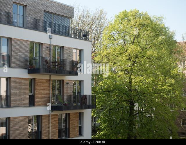 baum balkon stock photos baum balkon stock images alamy. Black Bedroom Furniture Sets. Home Design Ideas